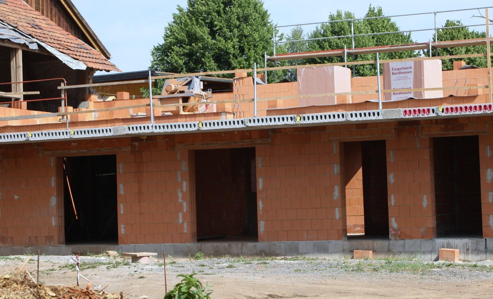 """Umbau des """"Lindengut"""" in Gudersleben zum Familien - Camp durch den Horizontverein"""