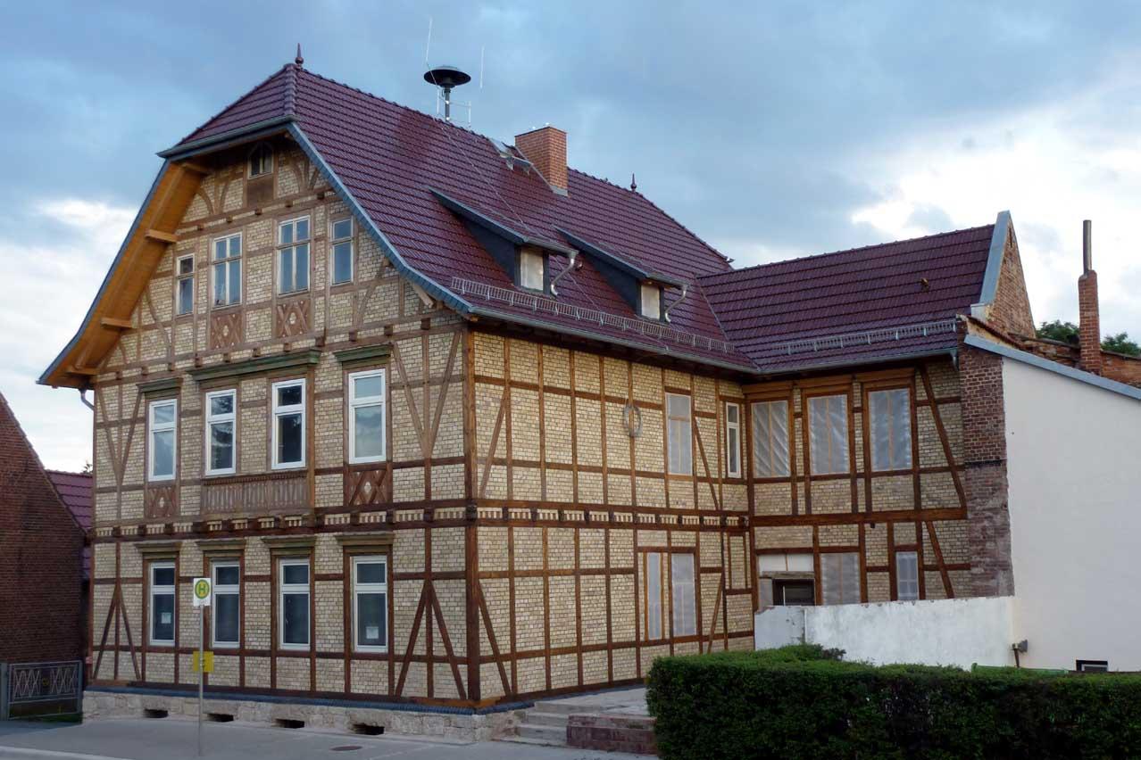 Dach- und Fassadensanierung an der ehemaligen Schule in Wipperdorf - privater Antragsteller