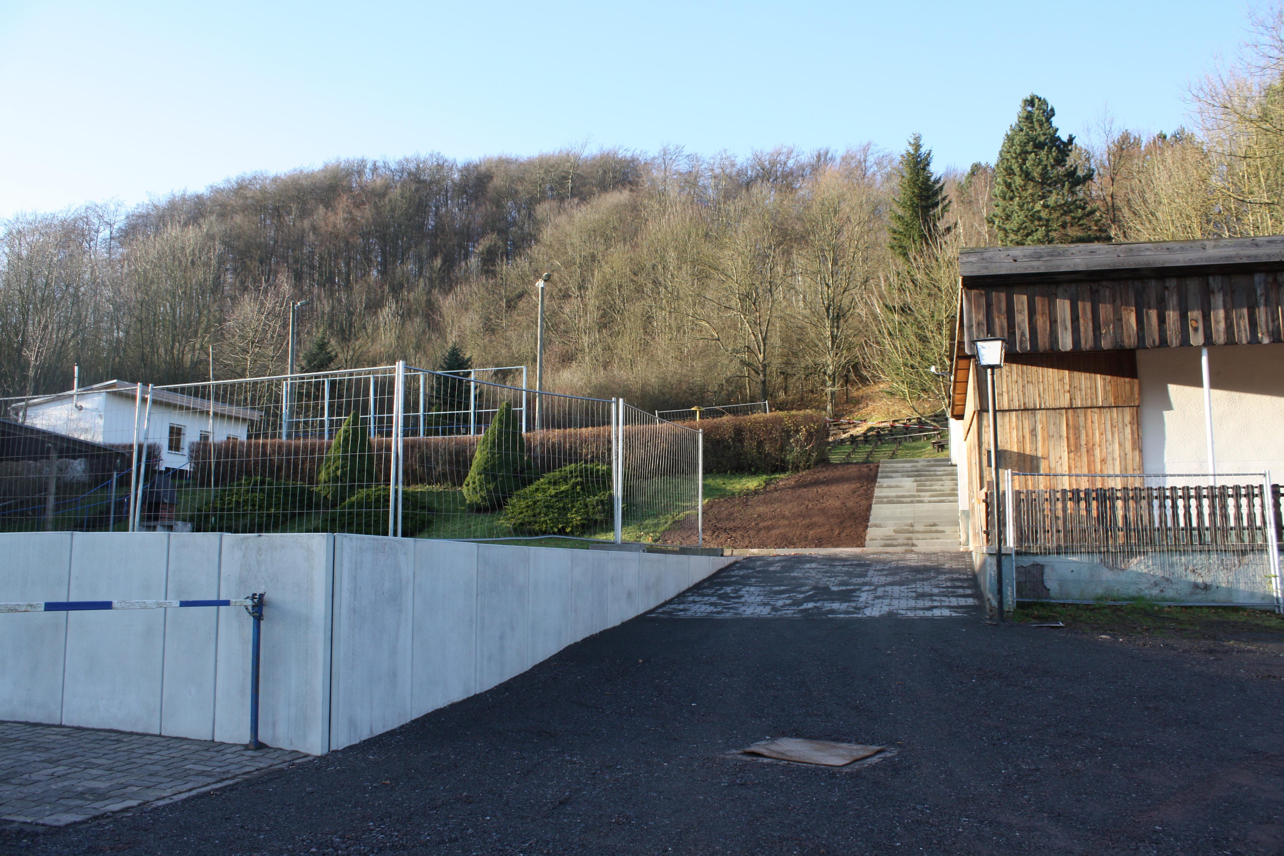 Gemeinde Großlohra, OT Friedrichslohra, Erneuerung der Stützmauer der Sport- und Kulturanlage
