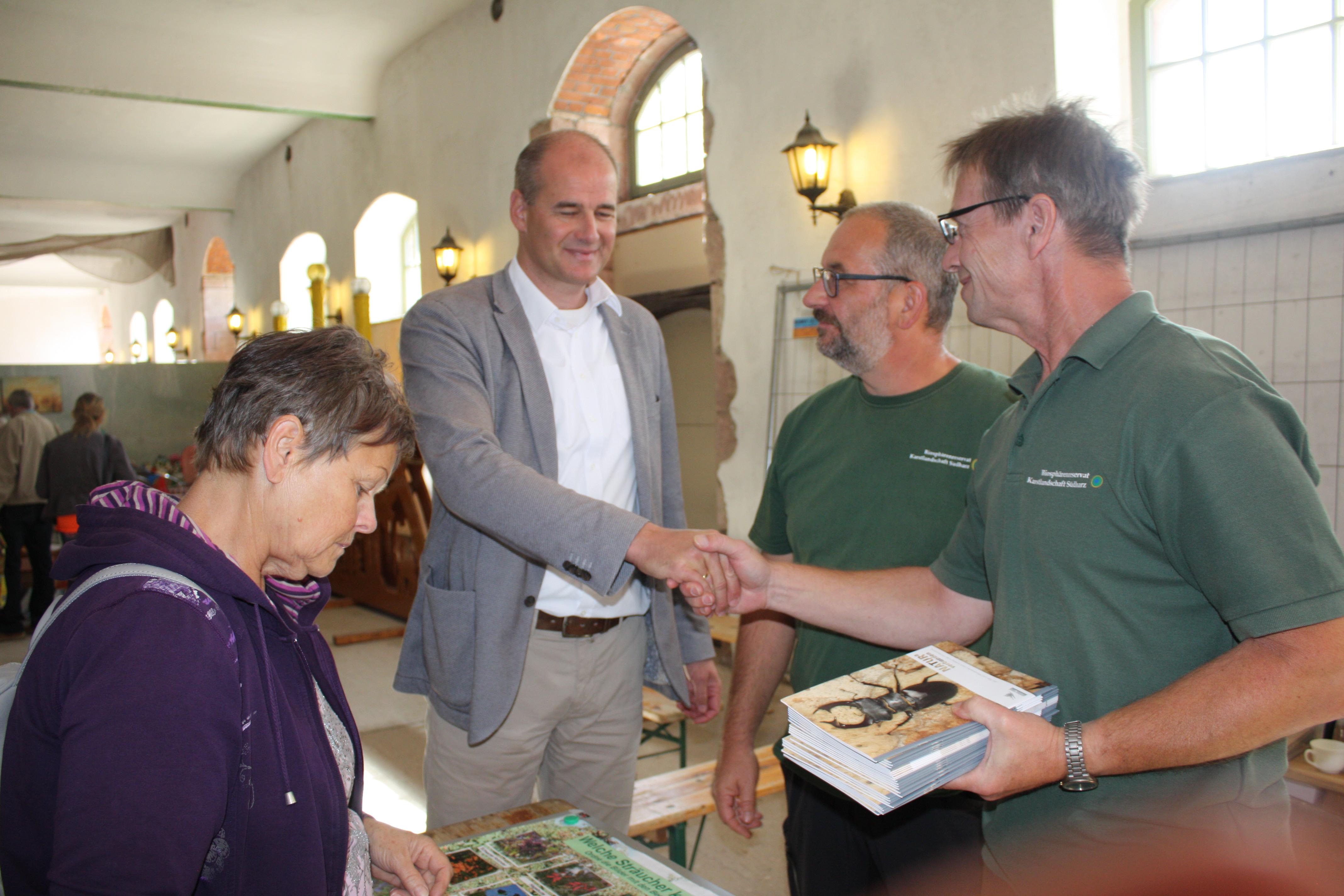 Waren gefragte Gesprächspartner-die Mitarbeiter des Biosphärenreservates Südharz-Kyffhäuser.JPG